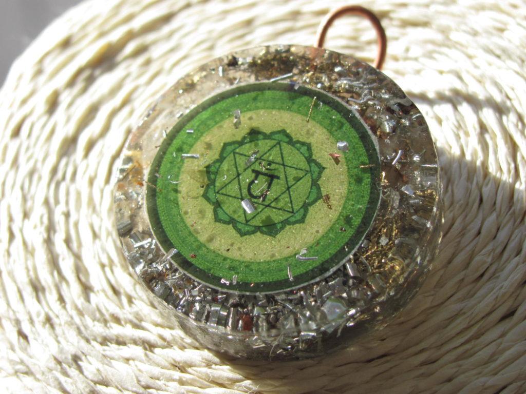 Dije de Orgon Orgonite con Mandala 3,5cm Conexión