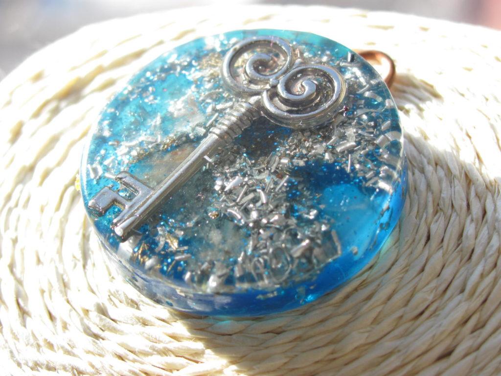 DIje de Orgon Orgones Llave Abre Caminos Azul 3,5cm