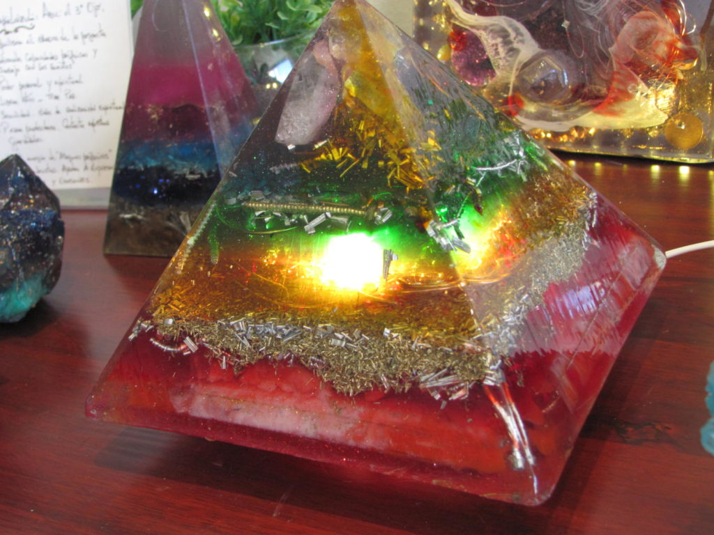 Lampara de Orgon 16 x 18 cm 7 Chakras luz LED