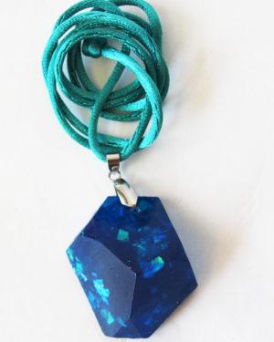 colgante azul zafiro resina diseño