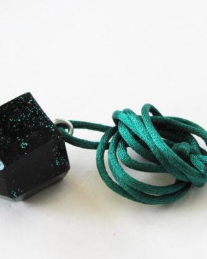 pendulo de resina verde colgante diseño